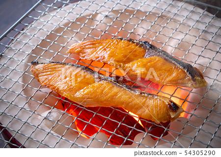烤三文魚 54305290