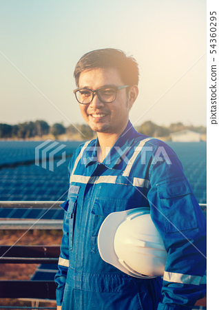 operation and maintenance in solar power plant 54360295