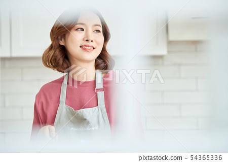女人做飯 54365336