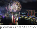 新加坡滨海湾NDP排练夜视图和烟花 54377122