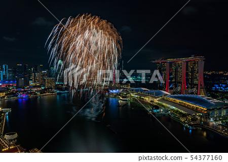 新加坡濱海灣NDP排練夜視圖和煙花 54377160