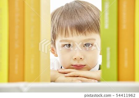 유아,어린이,키즈,책,독서,공부,학습,교육,비즈니스맨 54411962