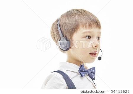 유아,어린이,키즈,텔레마케팅,텔레마케터,유튜버,비즈니스맨 54413623