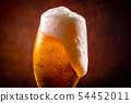 與啤酒敬酒 54452011