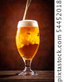 與啤酒敬酒 54452018