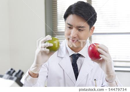 Research scientist concept, technicians working in laboratory 298 54479734