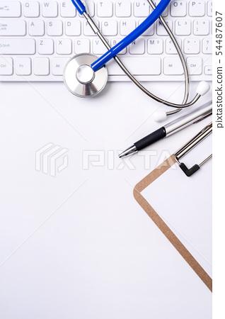 聽診器 鍵盤 剪貼板 醫療 頂視圖 flatlay stethoscope layout 長期介護 54487607