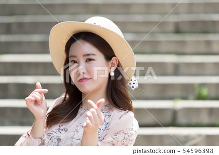 아름다운 대한민국 여성의 표정, 공원 산책 54596398