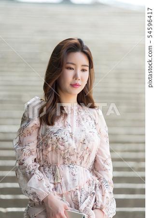 아름다운 대한민국 여성의 표정, 공원 산책 54596417