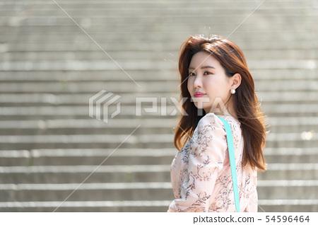 아름다운 대한민국 여성의 표정, 공원 산책 54596464