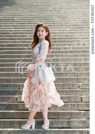 아름다운 대한민국 여성의 표정, 공원 산책 54596487