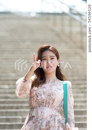 아름다운 대한민국 여성의 표정, 공원 산책 54596526