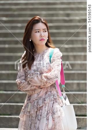 아름다운 대한민국 여성의 표정, 공원 산책 54596548