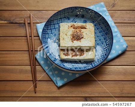아시아 음식 두부구이와 양념간장  54597267