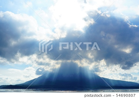 Sakurajima and Angel Lion 54690807