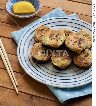 한국의 음식 김밥 계란구이  54712871