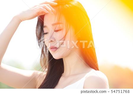 女人的美丽日落 54751768