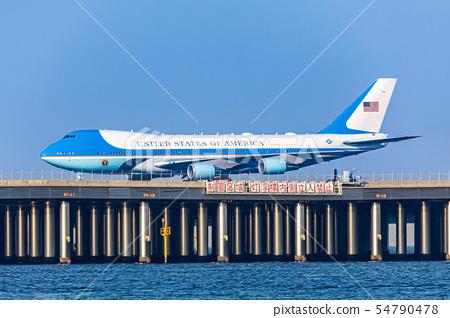 하네다 공항 미국 대통령 전용기 54790478