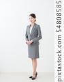 20多歲的女灰色西裝全身 54808585