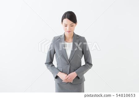 20多岁女性灰色西装 54810653