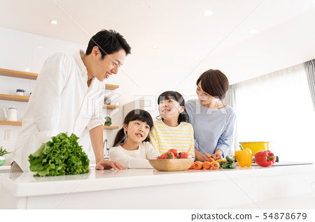 부모와 자식 요리 식탁 가족 이미지 54878679