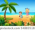 Mother and her son having fun on the beach 54883518
