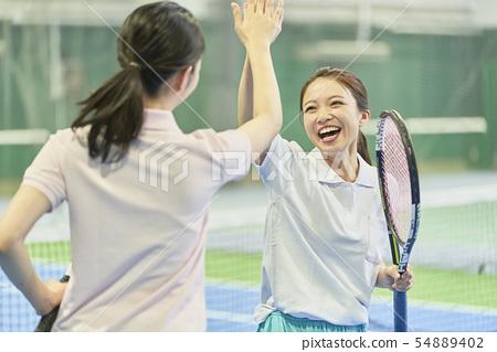 網球學校的女性 54889402