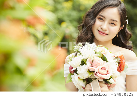 여성 신부 이미지 54950328