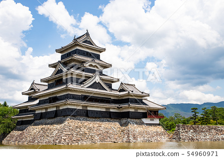 Matsumoto Castle 01 54960971