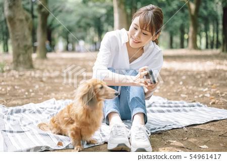 生活與狗女人 54961417