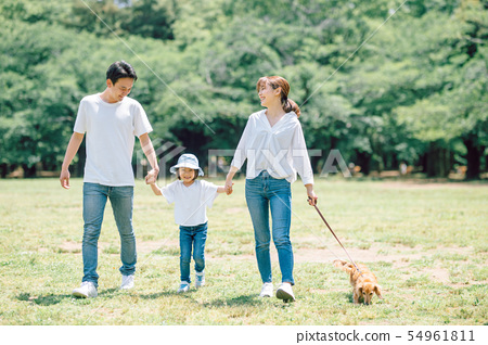Life with a dog Family 54961811