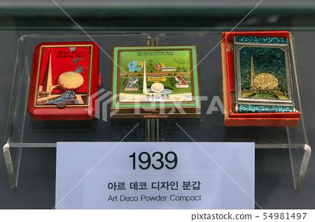 1939년 아르 데코 디자인 분갑 54981497