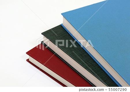 진열된 책 55007290