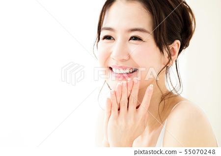 美容女人牙齒美白口腔護理皮膚護理美容年輕女子美容 55070248