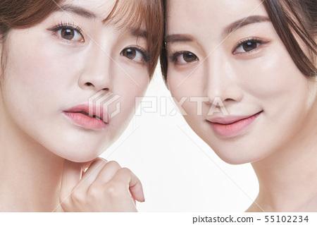 Female Beauty 2 people 55102234