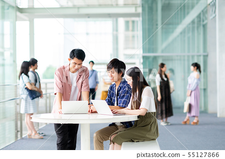 นักศึกษาวิทยาลัย 55127866