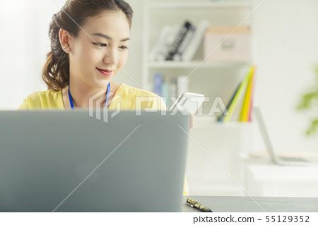 女性生意 55129352