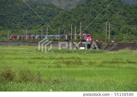 Train running in Gong Liao 55138580