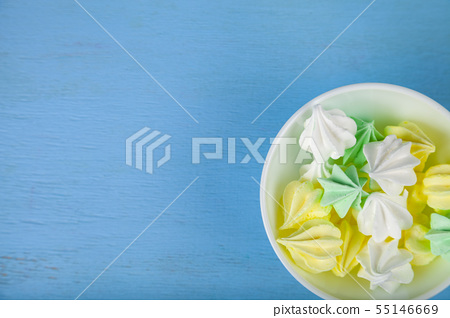 Meringue in a white bowl 55146669
