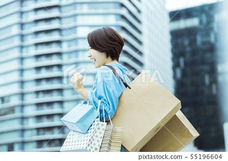 Woman shopping shopping 55196604