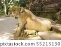 원숭이 숲에있는 발리 힌두교의 석상 (우붓 발리 / 인도네시아) 55213130