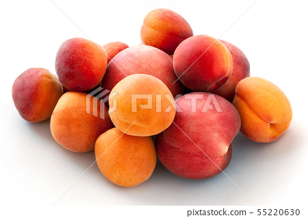 Fresh juicy peaches fruits and ripe apricots isolated on white background. Summer fruit concept 55220630