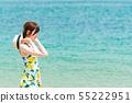 해변에있는 젊은 여성 55222951