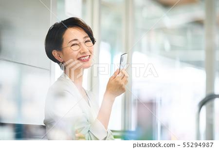 """女商人候診室攝影合作""""京王電鐵有限公司"""" 55294987"""