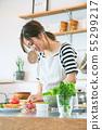 ผู้หญิงในห้องครัว 55299217