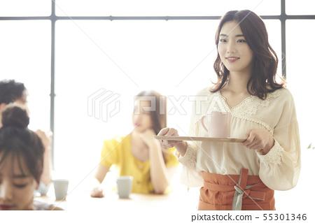 女人午餐時間 55301346