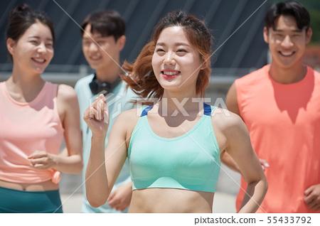 남녀 스포츠웨어 달리기 55433792