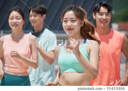 남녀 스포츠웨어 달리기 55433800