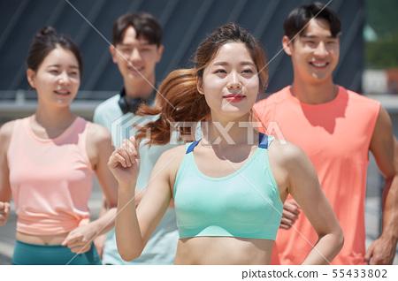 남녀 스포츠웨어 달리기 55433802
