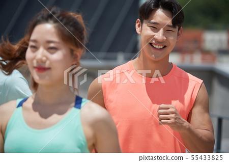 남녀 스포츠웨어 달리기 55433825